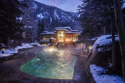 Aspen town self catered apartments for your ski trip to Aspen ski resort Colorado America