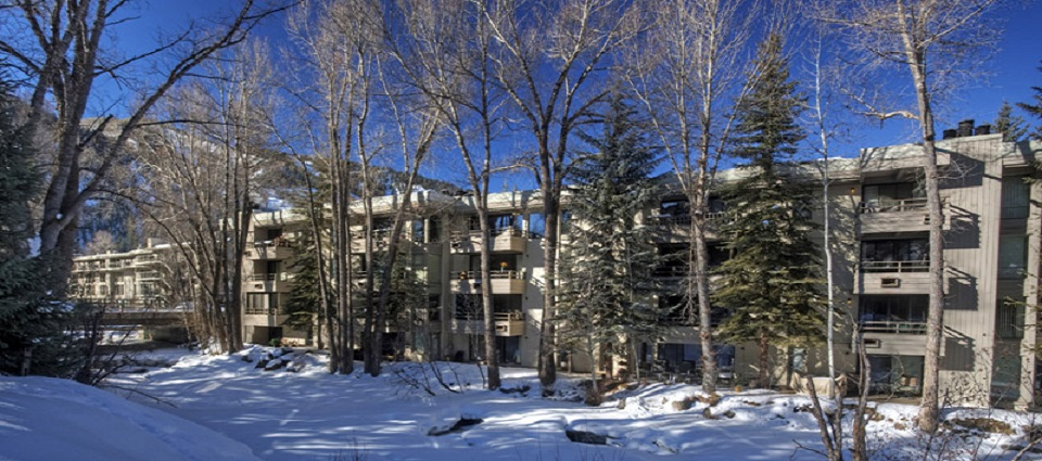 Chateau Roaring Fork Aspen self-catered apartments USA