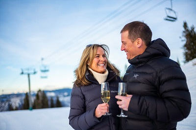 Dining in Aspen Cloud nine snowcat dinner drinks with romantic couple