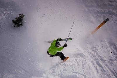 Falling over in powder snow