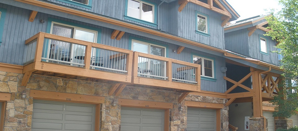 Los Pinos Breckenridge apartments townhomes Colorado USA