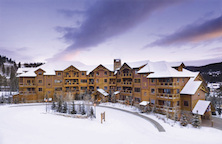 Mountain Thunder Lodge ski in apartments Brekenridge USA