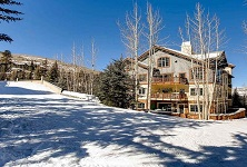Oxford Court Beaver Creek ski in ski out apartments Colorado USA