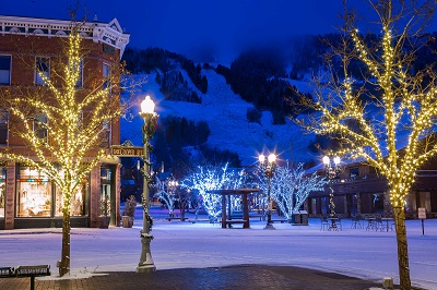 Picturesque Aspen town center for magical ski holiday