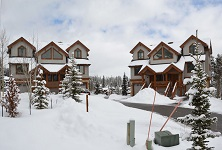 Saddlewood Breckenridge ski in ski out self-catered apartments