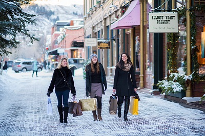 Shopping in Aspen town centre boutiques designer shops