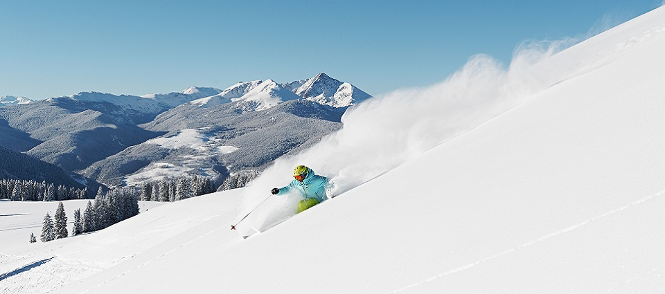 Skiing holidays in Vail ski resort USA