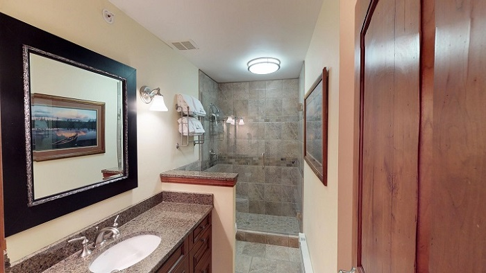 Vail apartments for 4 people 2 bedroom condo bathroom