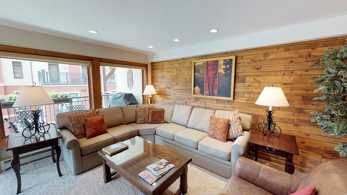 Vail ski holidays in 2 bedroom apartments lounge