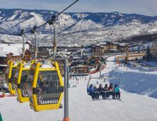 Skiing holidays in Snowmass - Skittles people mover