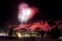 Aspen New Year's Eve fireworks for your New Year skiing holidays in the USA